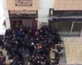 Kayseri'de bir grup HDP binasına girdi
