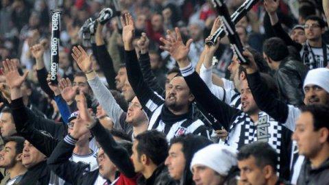 Beşiktaş taraftarı Arena'yı İzmir Marşı'yla inletti