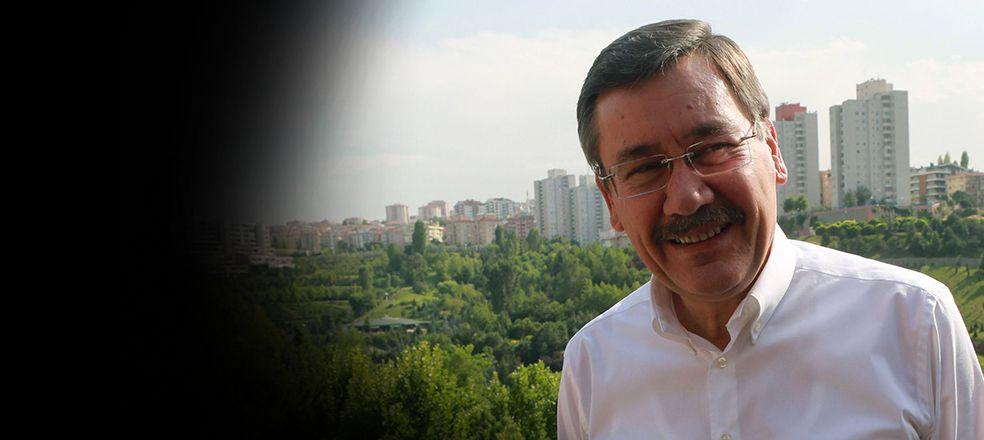 AKP'lilerin gözdesi FETÖ'den gözaltına alındı, Melih Gökçek apar topar tweetini sildi