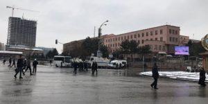Meclis önünde polis müdahalesi!