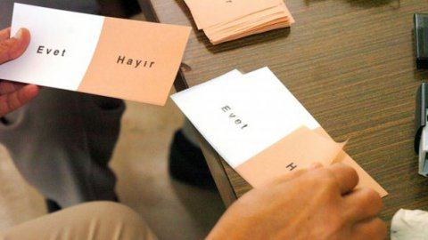 AKP referandum tarihini belirledi