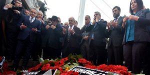 CHP'li başkanlar Reina'nın önünde