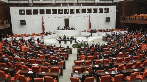AKP'ye '18 yaş' şoku