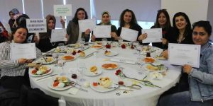 8 Mart'ta Sarıyer'de 320 kadın sertifika aldı