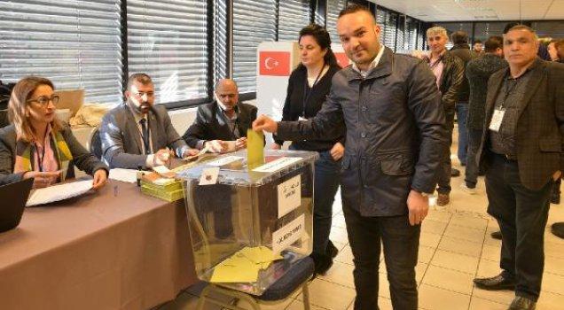 Yurt dışı oylarında ilk gün tarihi rakam