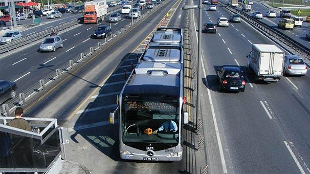 Metrobüslerde yeni dönem başlıyor