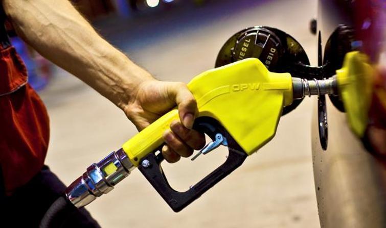 Benzin ve motorin fiyatlarına büyük zam.