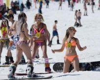 Kar üstünde sıcak festivali.