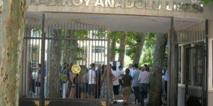 Kadıköy Anadolu Lisesi'nde festival yasağı