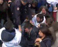 Oturma eylemine polis müdahalesi