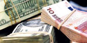 Dolar ve euro haftaya düşüşle başladı