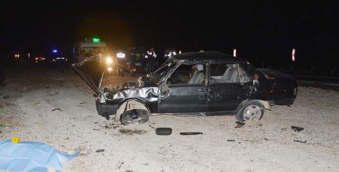 Otomobil devrildi, baba olay yerinde öldü!