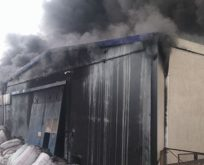 Uşak'ta fabrika yangını! Yaralılar var