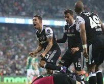 Beşiktaş Bursa'yı forvetleriyle yıktı