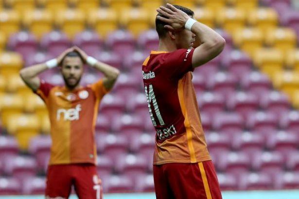 Galatasaray istifa haberini yalanladı