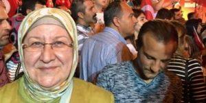 Hayati Yazıcı'nın eşi sosyal medyayı karıştırdı