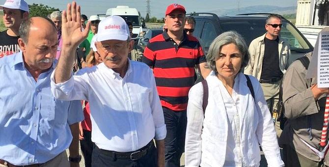 Kılıçdaroğlu'nun yanında yürüyen 2 sürpriz isim