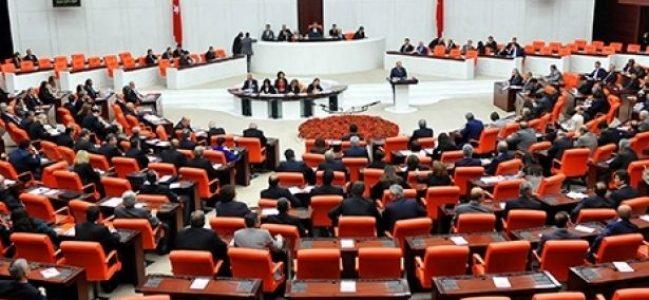 'Emekli vekile çifte maaş' düzenlemesi Meclis'ten geçti