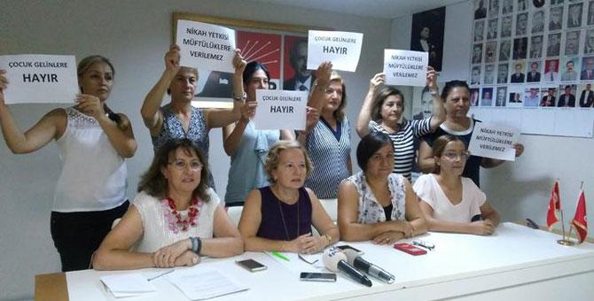 CHP'li kadınlardan hükümete nikah tepkisi