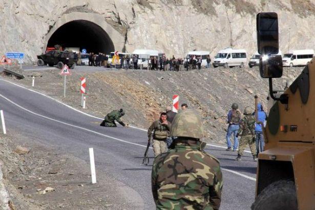 Patlamada yaralanan asker yaşamını yitirdi