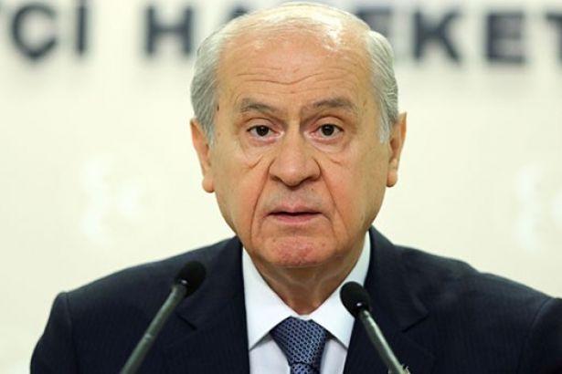 MHP'de toplu istifalar sürerken, Bahçeli'den kritik talep