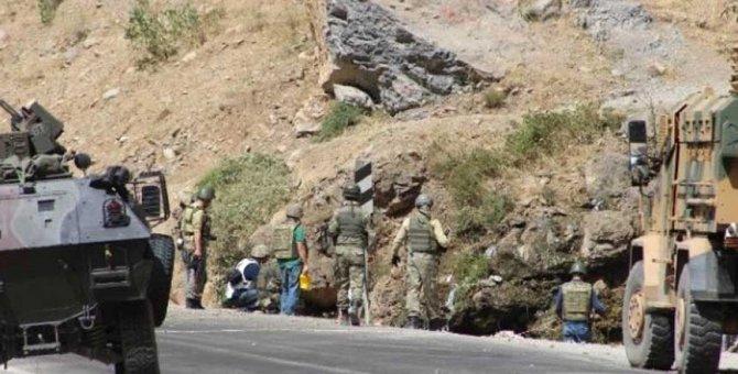 Yüksekova'da patlama: 2 asker yaralı