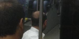 Şoför yolcular içindeyken halk otobüsünü durdurup namaz kıldı