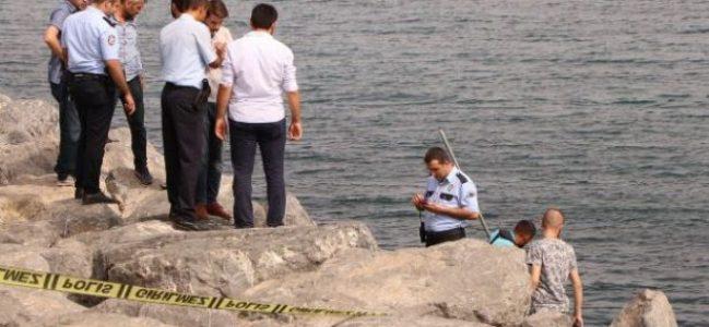 Zeytinburnu sahilinde kıyıya bir erkeğin cansız bedeni vurdu
