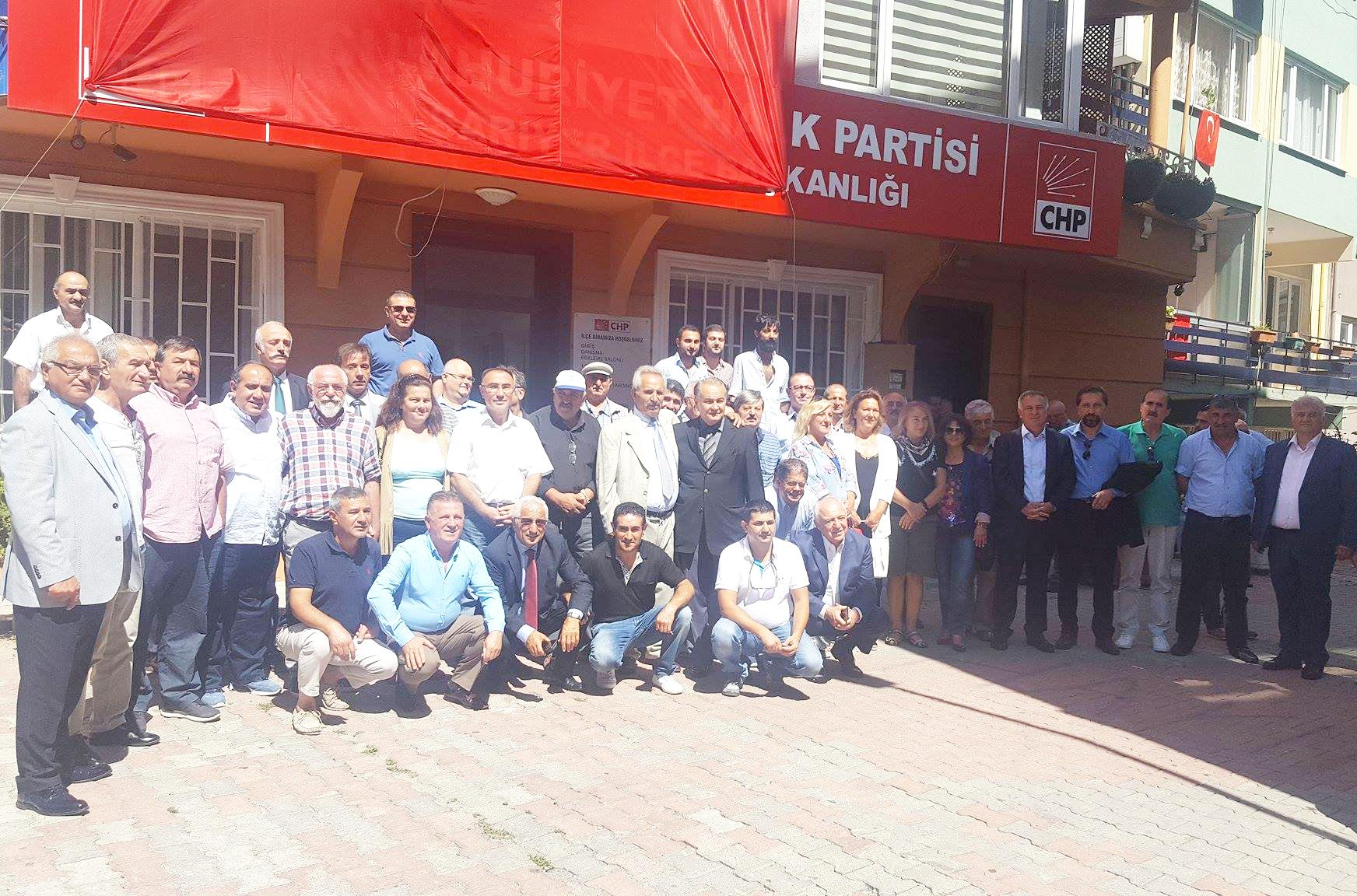CHP Sarıyer bayramlaşma töreninde buluştu.