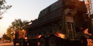 Sınıra askeri yığınak sürüyor