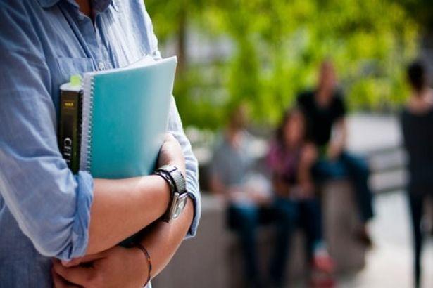 'Burs' diyerek binlerce öğrenciyi dolandırdılar!