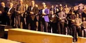 Kaçak madende yaşamını yitiren 7 madenci gece toprağa verildi