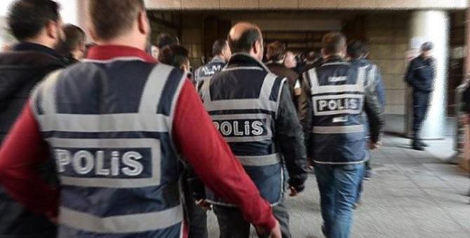 AKP adayı FETÖ operasyonunda gözaltına alındı.