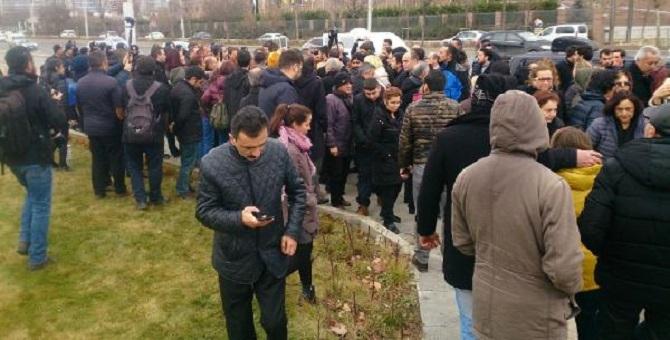 Diyanet önünde eylem yapmak isteyen CHP'lilere polis engeli