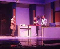 Tiyatro oyununa 'müdür' sansürü