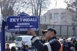 O tabela ABD elçiliği önündeki caddeye asıldı!