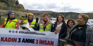 CHP Sarıyer'den 3 anneye destek yürüyüşü.