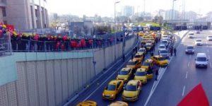 Taksicilerin UBER'e açtığı dava ertelendi