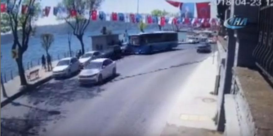 Sarıyer'deki halk otobüsü kazası kamerada