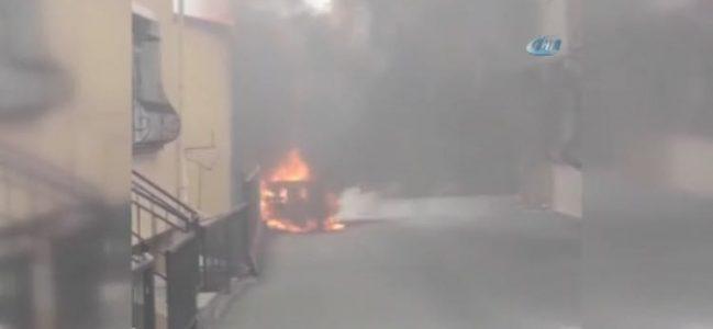 Reşitpaşa'da araç patladı. Evlere sıçradı.