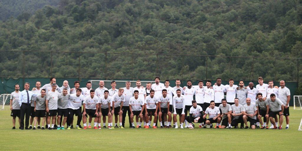 Beşiktaş top başı yaptı.