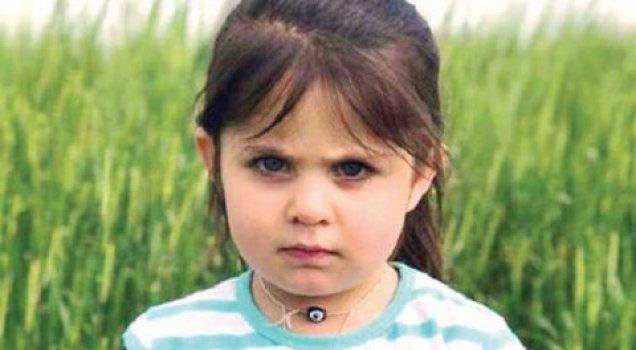 Küçük Leyla, gözyaşları içinde toprağa verildi.