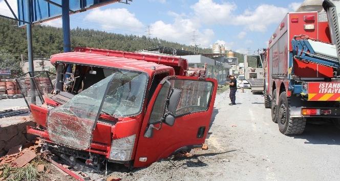 Kontrolden çıkan kamyon dehşet saçtı.