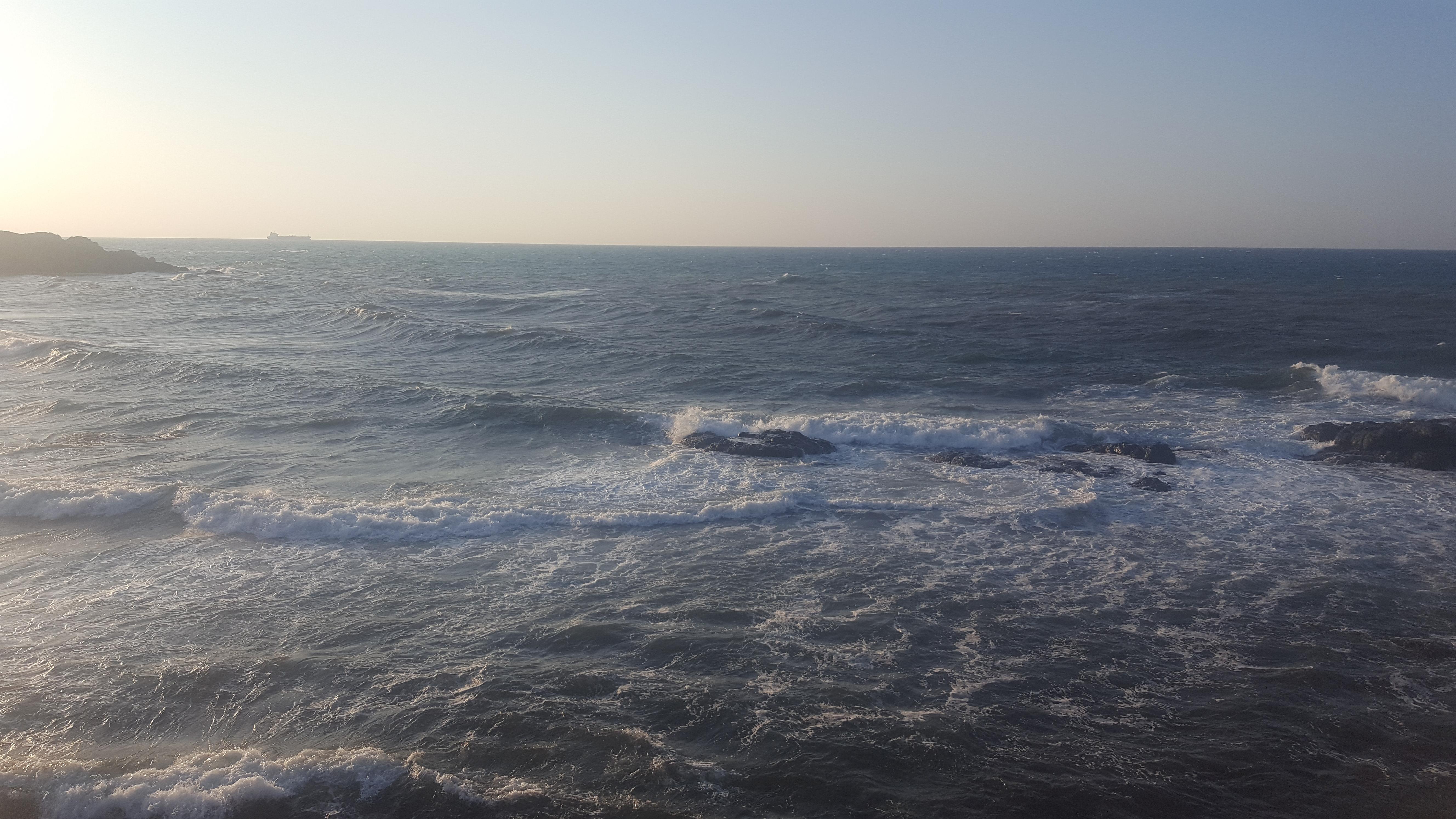Kilyos'ta dev dalgalar genç bir kızımızı yuttu.