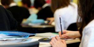 Kriz eğitimi vurdu: Öğrencinin bursu ve yurdu tehlikede