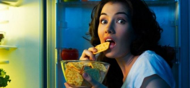Gece yemek yiyorsanız risk artıyor!