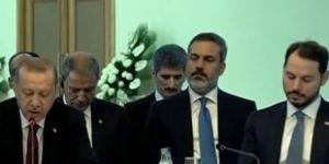 Tahran zirvesinde dikkat çeken detay