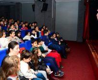 Beylikdüzü'nde ücretsiz tiyatro ve sinema sezonu açıldı