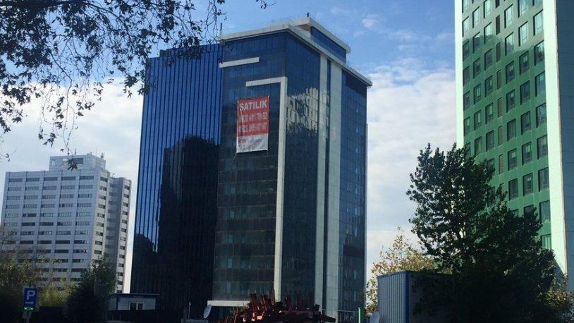 Kriz İstanbul'un merkezine sıçradı: Plazalar boşalıyor.