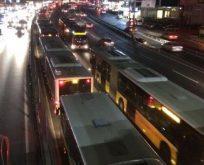 Metrobüs arızası çileye dönüştü!